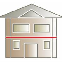Wykorzystanie listwy elewacyjnej, gzymsu albo listwy pilastra jako elementu pośredniego, oddzielającego kondygnacje. Montaż pomiędzy piętrami. Często stosuje się dwa równoległe pasy listw zamiast jednego.
